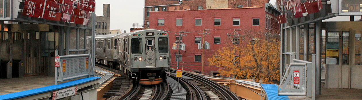 A Brown Line train to the Loop approaching Chicago